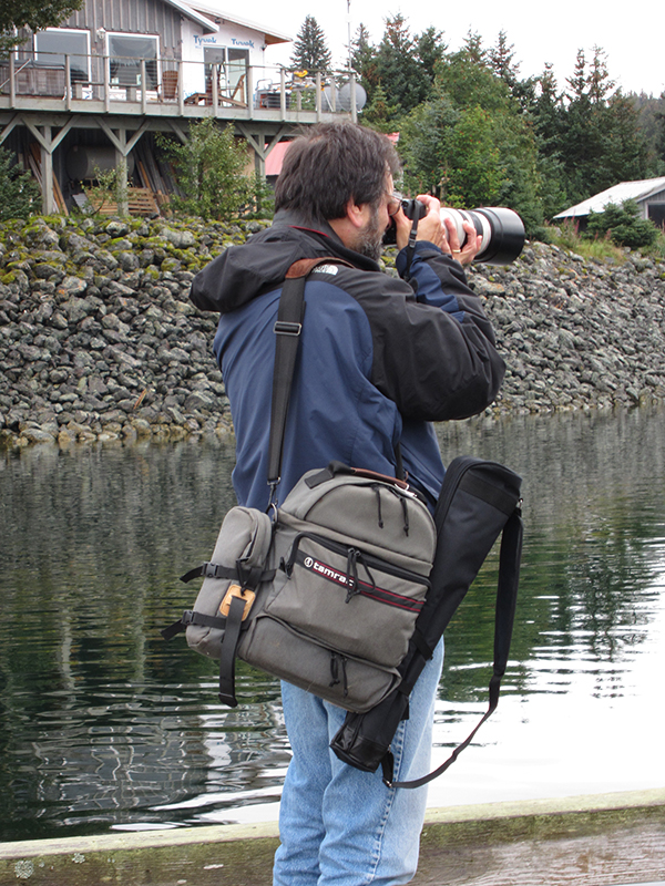 Artist Dan DAmico photographing sea otters in Alaska